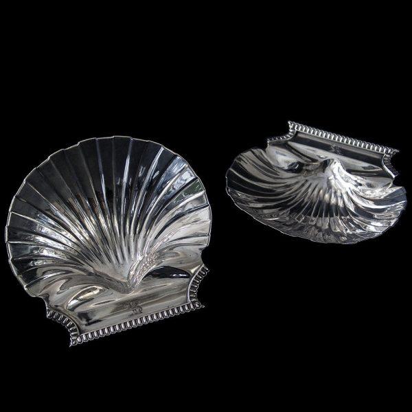 Emes & Barnard Antique Georgian Silver Butter Shells