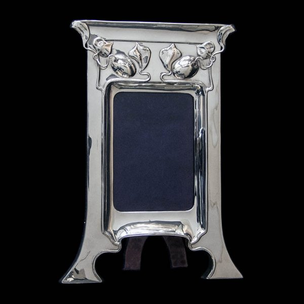 An Art Nouveau Sterling Silver Photograph Frame